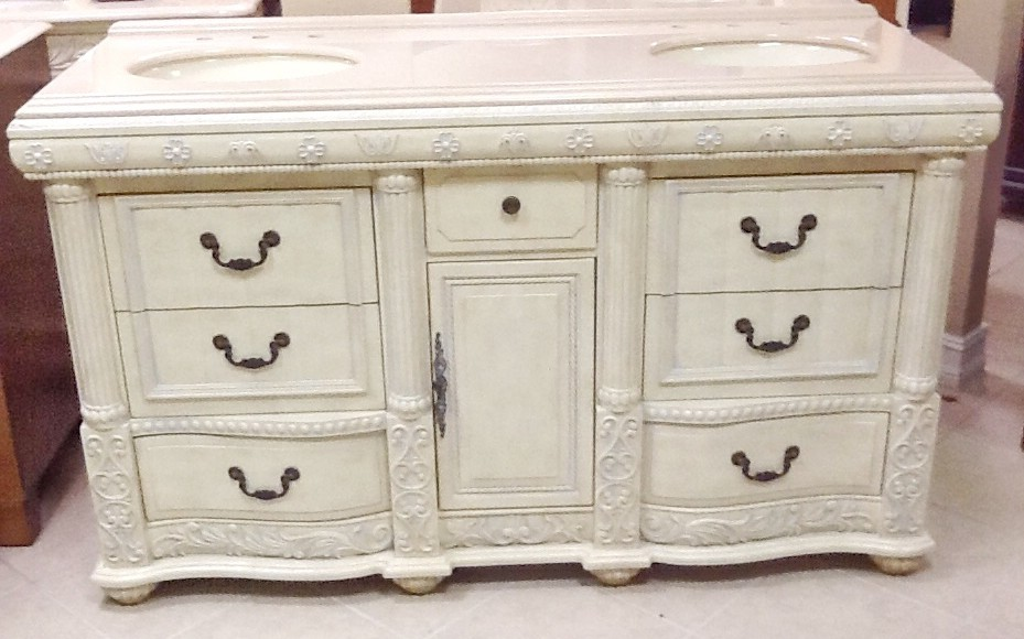 sideboard creme best sideboard or buffet painted with annie sloan chalk paint in old white and. Black Bedroom Furniture Sets. Home Design Ideas